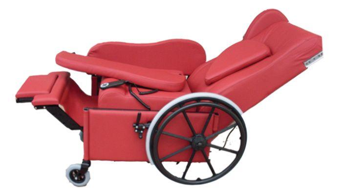 Poltrona per disabili e anziani giustina d joystick ruote motorizzate